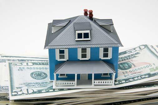 Ипотека замерла в ожидании, некоторые банки сворачивают свои программы