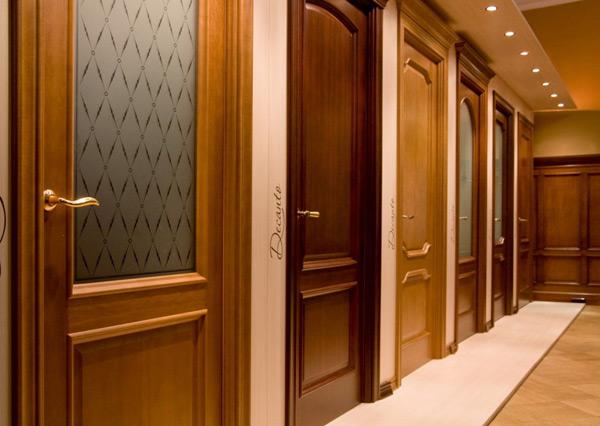 Выбираем двери в зависимости от материала: деревянные, ламинированные, стеклянные