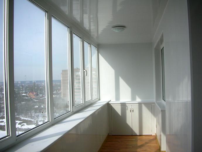 http://domodel.net/wp-content/uploads/2013/05/remont-balkona-plastikovaja-vagonka.jpg