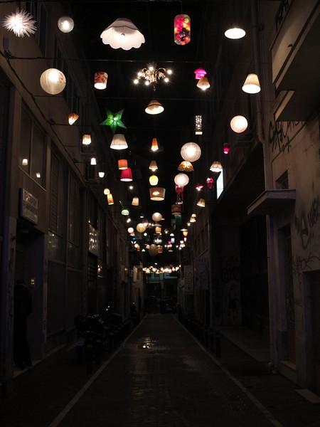 Огни Афин: необычная концепция уличного освещения