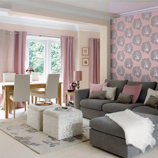 Гостиная: угловой модульный диван и пуфики