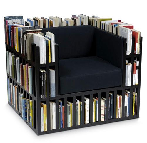 Кресло в виде книжных полок