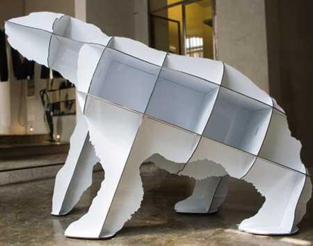 Книжные полки в виде белого медведя