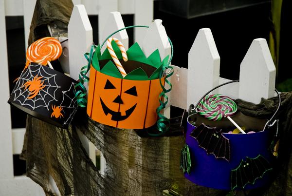 Ведро для сладостей своими руками на Хэллоуин, клеевой пистолет Dremel, декор на Хэллоуин, Halloween