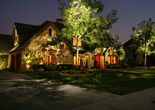 Декоративное ландшафтное освещение, практические советы по организации освещения