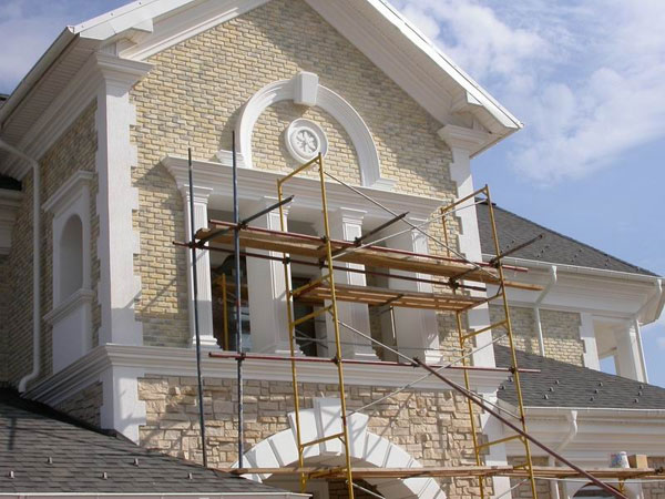Основные материалы для отделки фасадов: камень, штукатурка, плитка и облицовочный кирпич