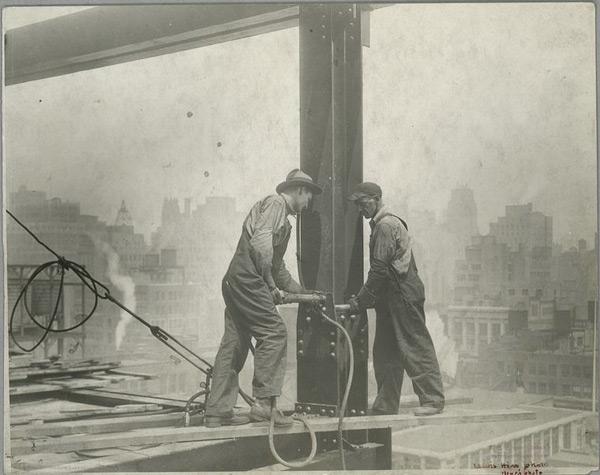 Как строились американские небоскребы: нелегкая профессия высотника