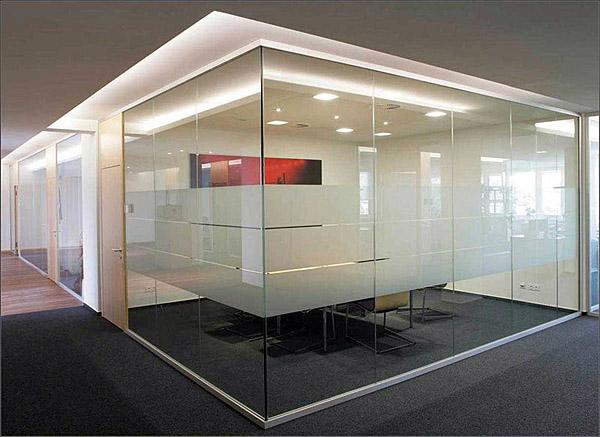 Стеклянные перегородки – обязательная составляющая офиса в формате Open Space