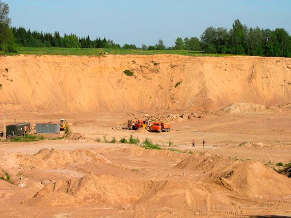Песок речной, кварцевый и овражный – для строительства и декорирования