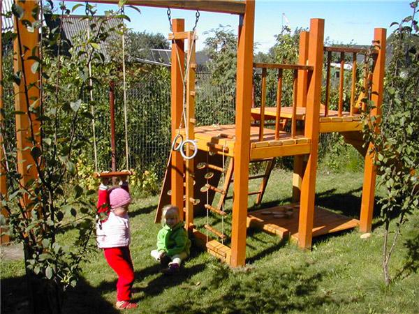 Планируем дачный участок: дорожки, водоемы, детская площадка