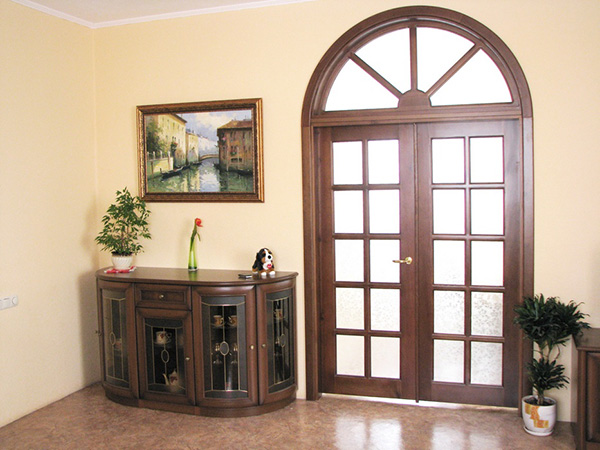 Двери из массива благородного дерева