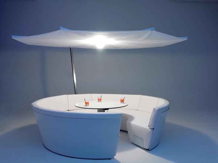 Стол и кресла KOSMOS, дизайнер Dirk Wynants, EXTREMIS