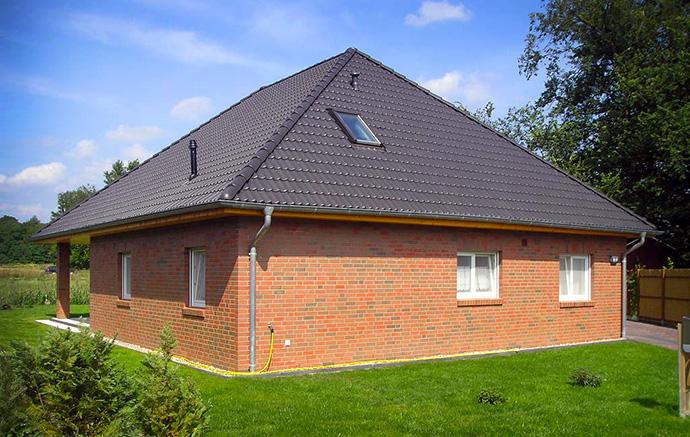 Кирпичный дом. Строительный кирпич