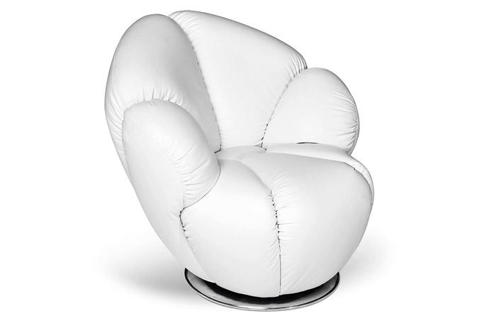 Белое кресло