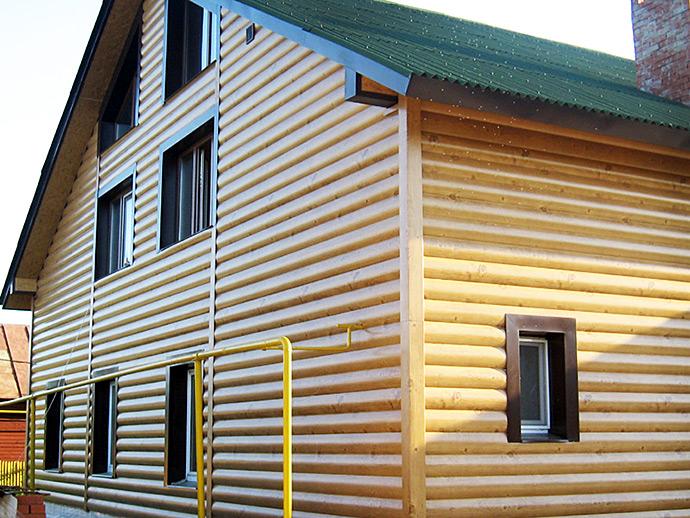 Блок хаус в облицовке деревянного дома