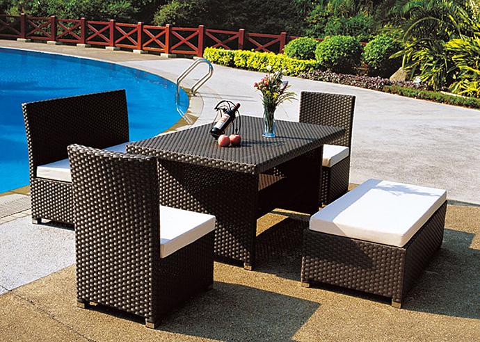 Плетеная мебель из ротанга. Ротанговая мебель - столик и стулья