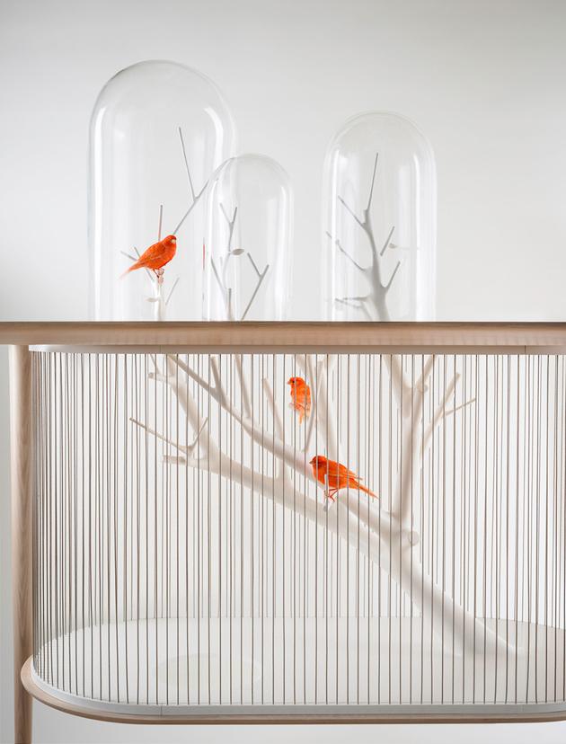 Уникальный стол со встроенной клеткой для птицы