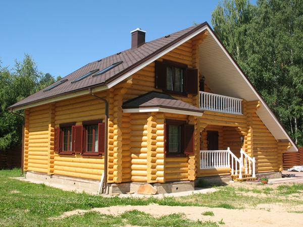 Деревянный сруб и влага – утепление и герметизация щелей