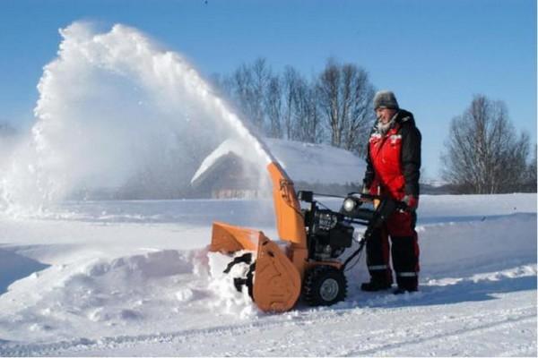 Выбираем снегоуборочную машину – на что обратить внимание?