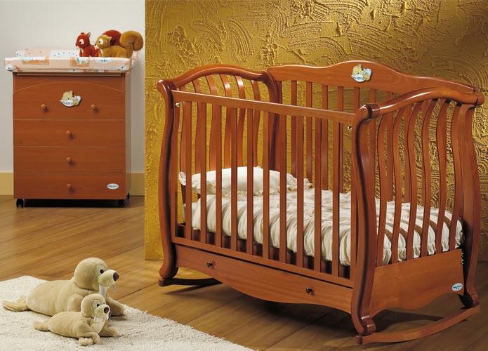Мебель для детской: выбираем кровать для новорожденного