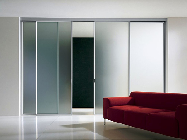 Стеклянные двери для вашего помещения