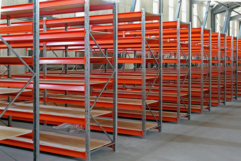 Выбираем стеллажи для склада - основные типы и разновидности