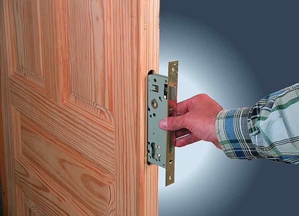 Установка дверных замков: пошаговая инструкция
