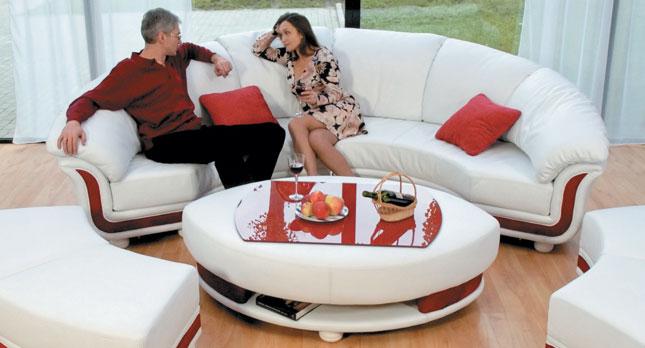 Новая жизнь старой мебели: ремонт и перетяжка кресел