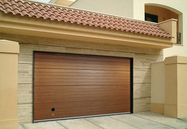 Делаем правильный выбор гаражных ворот