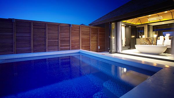 Как построить бассейн в частном доме?
