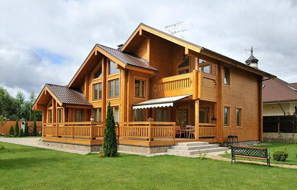 Строительство домов из бруса - ключевые аспекты