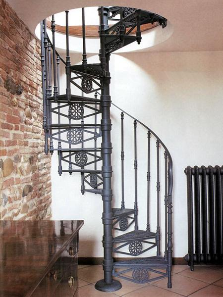 Винтовые лестницы для загородного дома