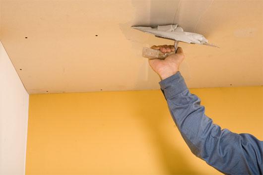 Ремонт потолков: подготовка к работе и варианты ремонта