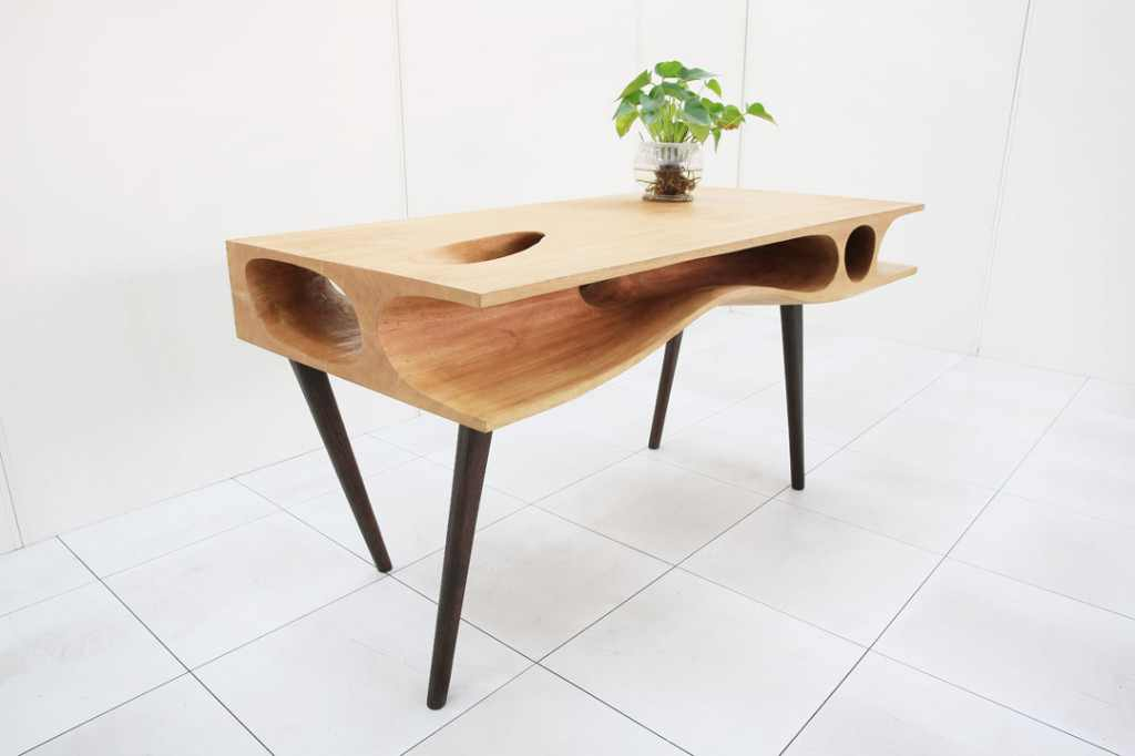 Оригинальный стол с нишами для... кота