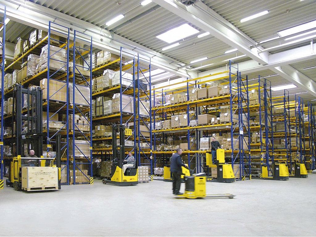 Что нужно знать о перевозке складского и торгового оборудования