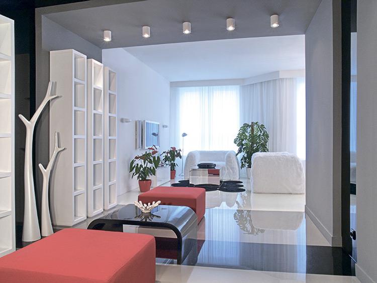 Белоснежная фантазия: квартира в центре Киева с видом на ландшафтный парк