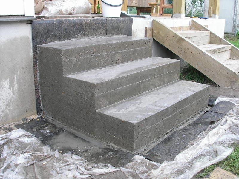 stupeni-iz-betona-dlya-kryiltsa