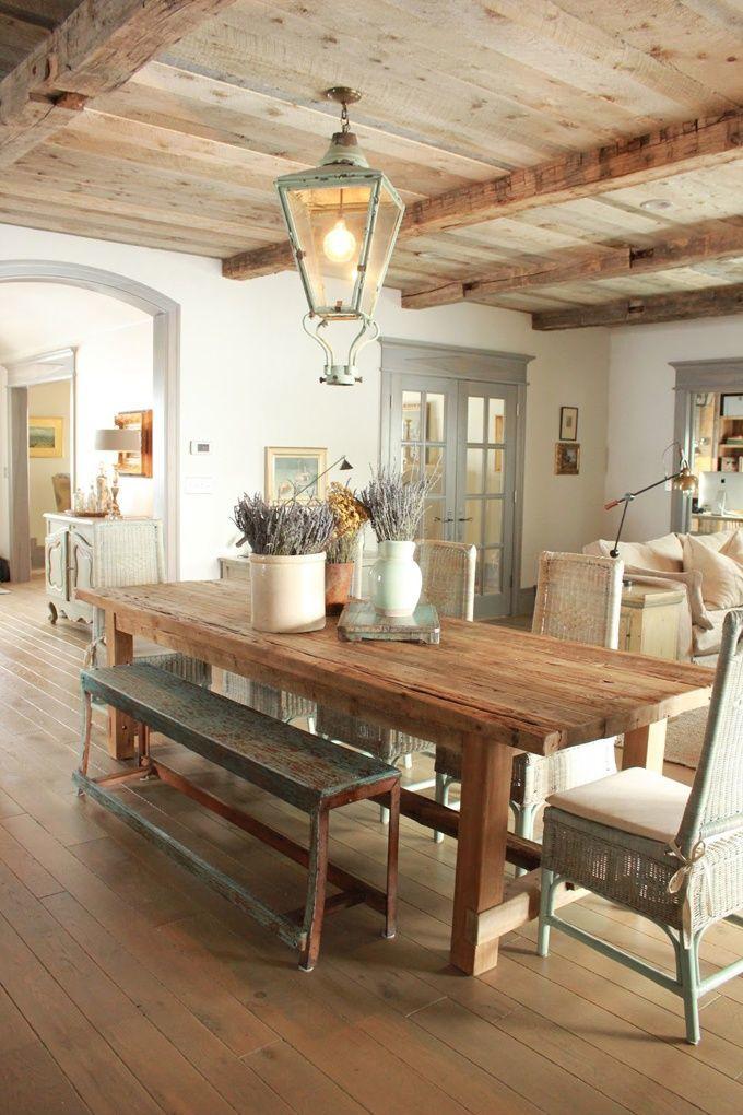 Деревянный стол кантри