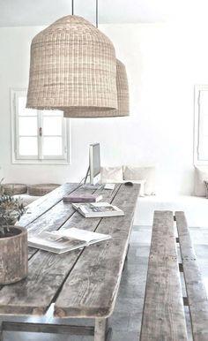 стол в гостиной дерево